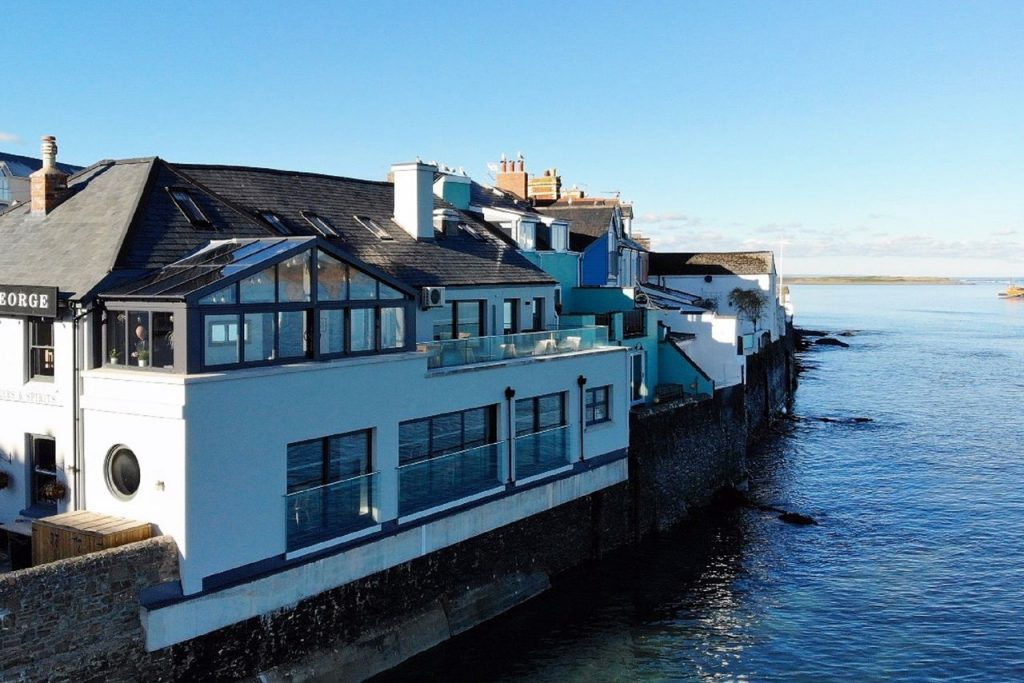 Royal George Appledore Irsha Street restaurant hotel fine accommodation